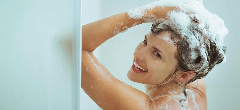 Τα λάθη που κάνεις όταν λούζεις τα μαλλιά σου